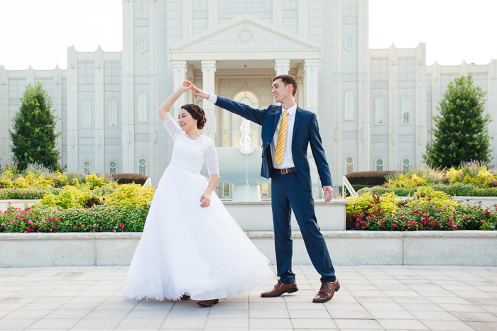 houston, wedding, photography, photographer, kelli nicole photography, temple, lds, bride, groom, color, dancing