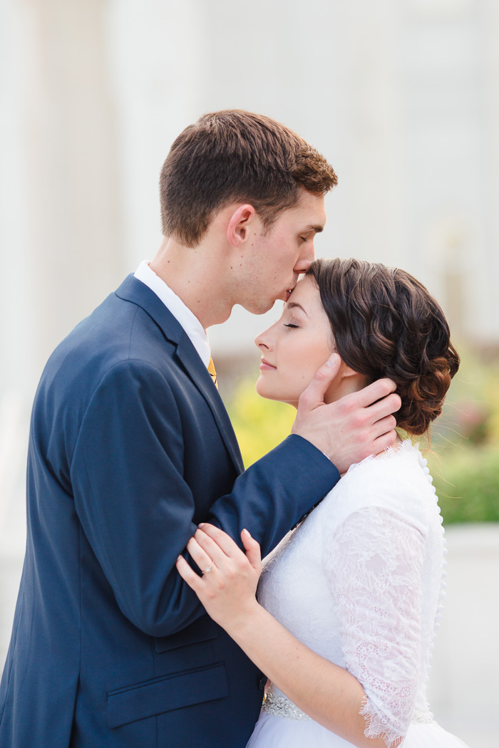 houston, wedding, photography, photographer, kelli nicole photography, temple, lds, bride, groom, color, forehead kiss