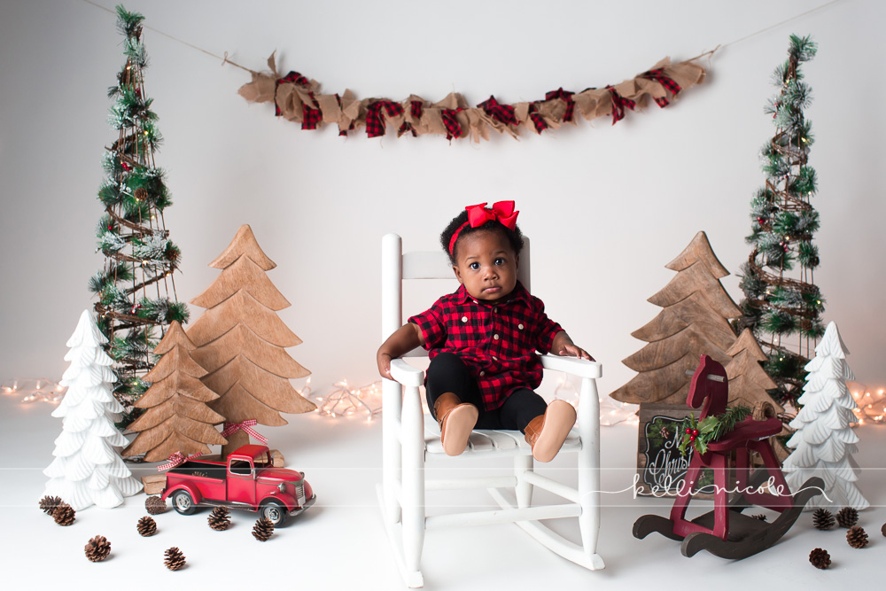 family photo shoot, houston family photography, houston family photographer, kelli nicole photography, family, familia, baby girl, family of five, beautiful family, houston baby photographer, houston baby photographer, studio session, studio family photographer, houston studio photographer, studio photography, christmas, buffalo check, red and black, hobby lobby