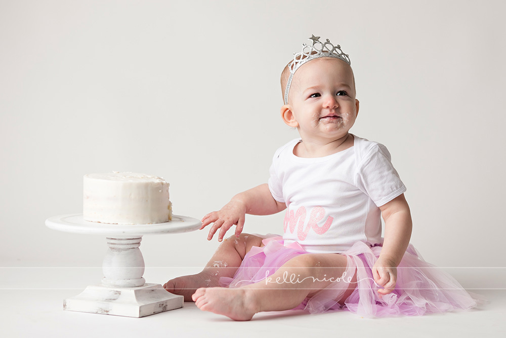 posed, children, photography, session, photo shoot, houston, texas, kelli nicole photography, baby girl, color, baby photography, houston baby photographer, studio, baby girl, child posing, baby photography tutorial, studio baby lighting, paul c buff einstein lighting, houston family photography, white backdrop, cake smash photography session, white studio, white studio houston, children, cake smash,