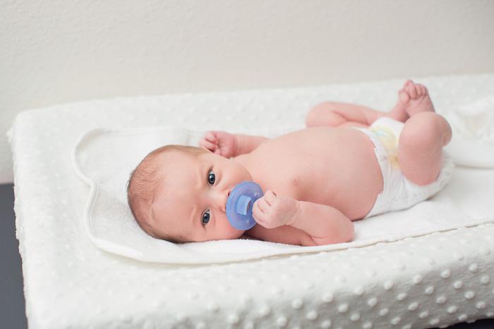 lifestyle, newborn, photography, session, photo shoot, houston, texas, kelli nicole photography, baby boy,