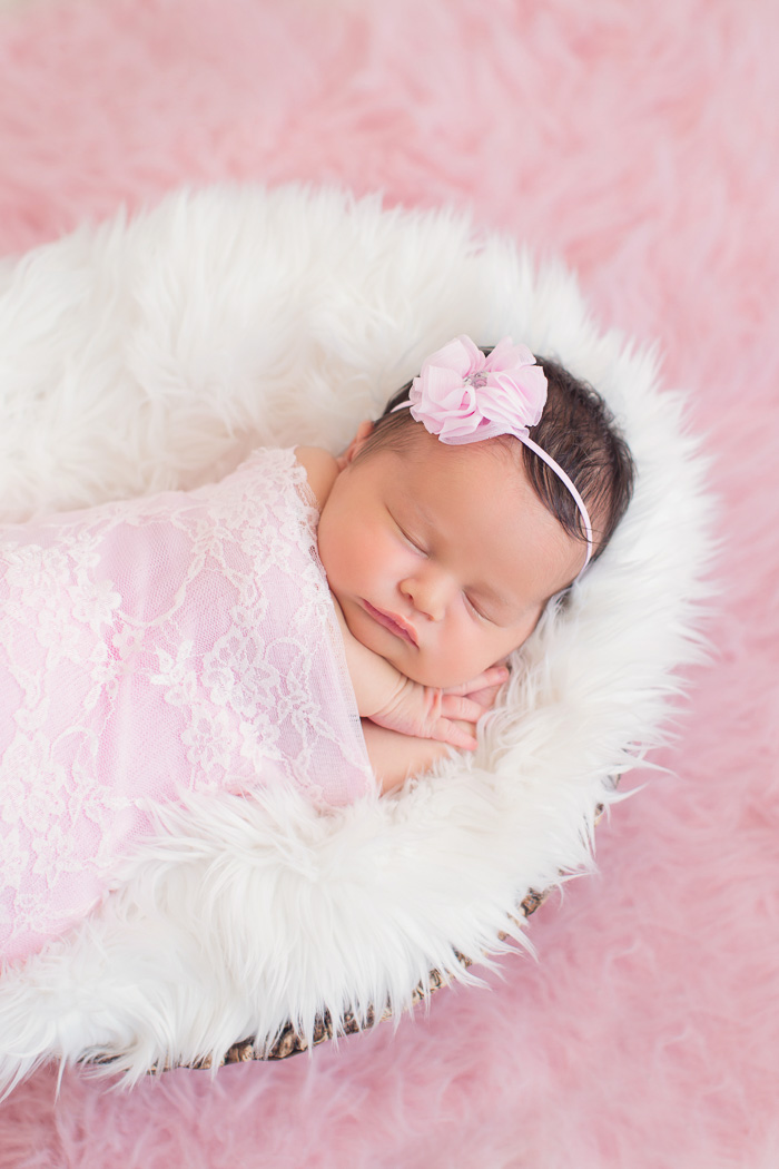 lifestyle, newborn, photography, session, photo shoot, houston, texas, kelli nicole photography, baby girl, nursery, color, mckenzie, pink fur, white fur, pink wrap,
