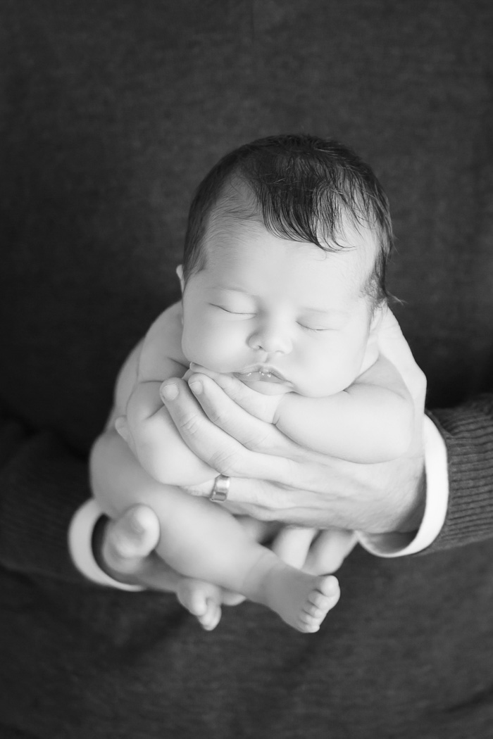 lifestyle, newborn, photography, session, photo shoot, houston, texas, kelli nicole photography, baby girl, nursery, mckenzie, dad's hands, black and white