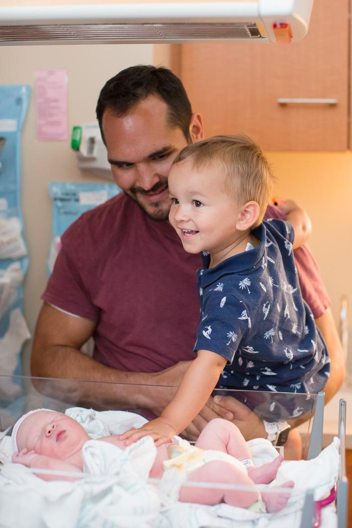 houston birth photographer, houston birth photography, birth, houston, photographer, kelli nicole photography, hospital birth, color