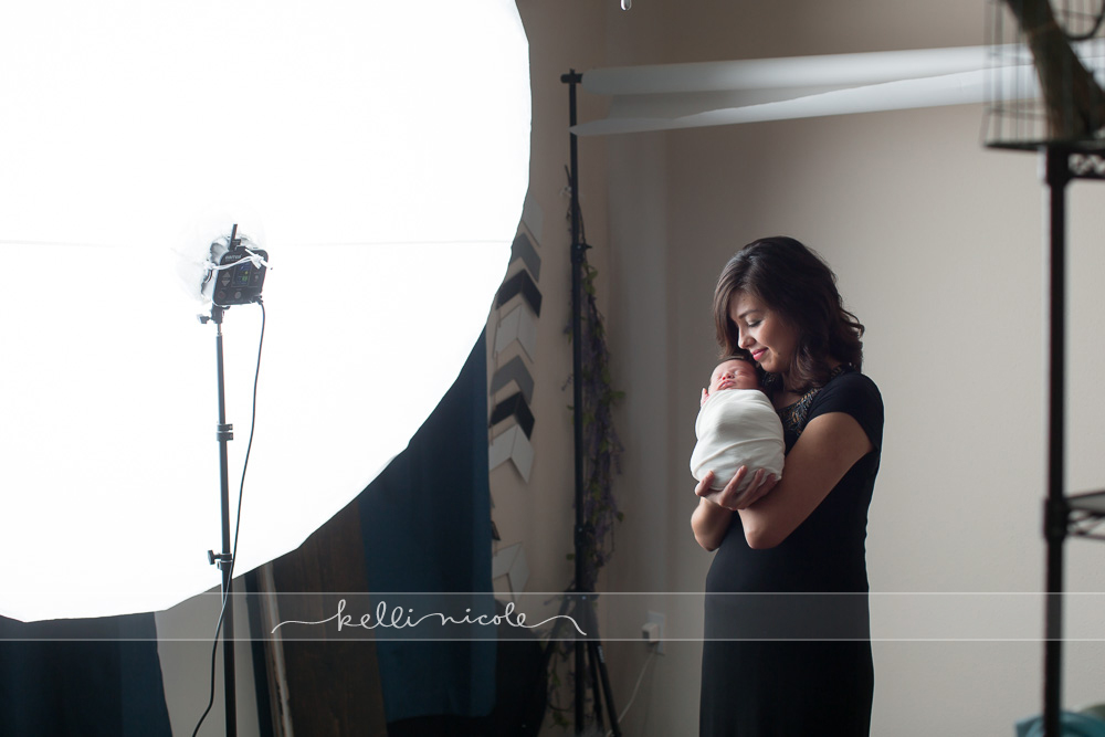posed, newborn, photography, session, photo shoot, houston, texas, kelli nicole photography, baby girl, color, newborn photography, houston newborn photographer, studio, newborn boy, newborn posing, newborn photography tutorial, studio newborn lighting, paul c buff einstein lighting, mom and baby