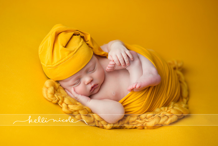 posed, newborn, photography, session, photo shoot, houston, texas, kelli nicole photography, baby, color, newborn photography, houston newborn photographer, studio, newborn boy, newborn posing, newborn photography tutorial, studio newborn lighting, paul c buff einstein lighting, newborn boy, recemnascido, ensaio newborn, gold, mustard, yellow